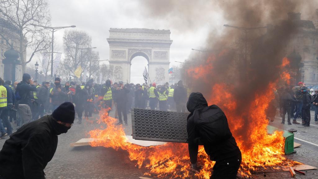 Франция: Пусть богатые тоже поплачут!