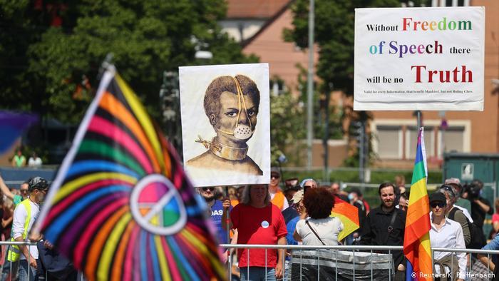 """""""Антикарантинные"""" протесты в Германии и Британии: кто и почему"""