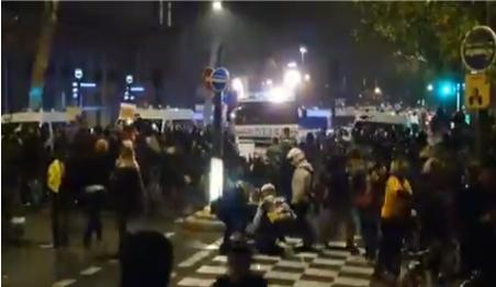 """""""Желтые жилеты"""" Франции отметили вторую годовщину протестами против полицейского государства"""