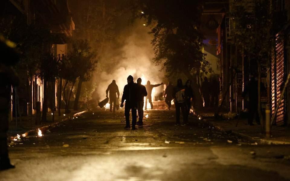 Греция: Власти переходят в наступление на Экзархию