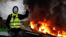 """Франция: Чего хотят и как организуются """"желтые жилеты"""""""