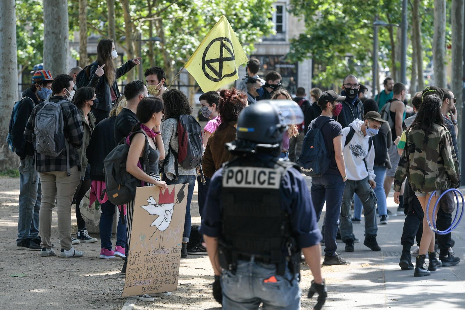 """Франция: Возвращение """"желтых жилетов"""""""
